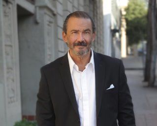 Top Real Estate Agent in the Luxury Market in L.A.